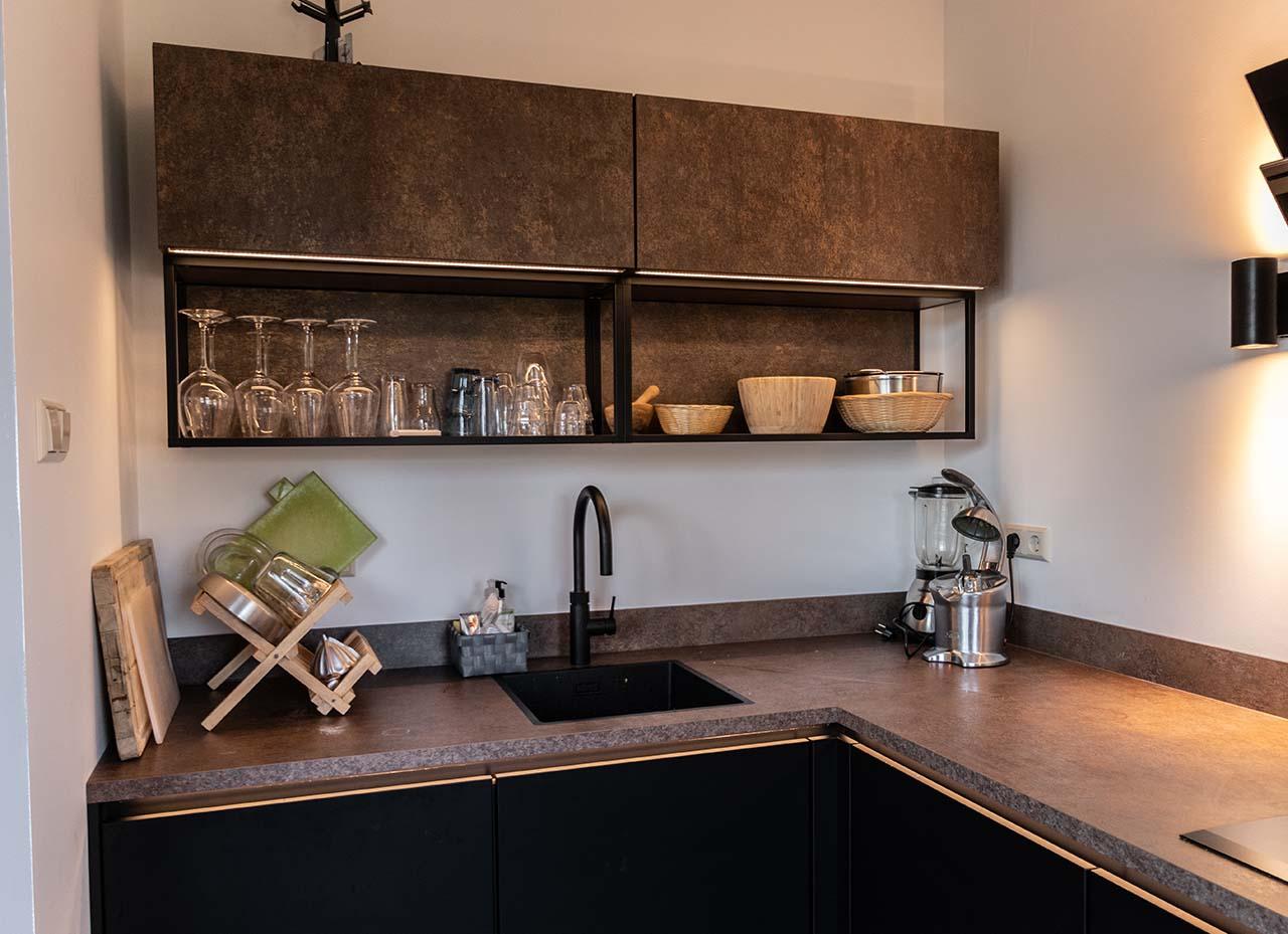 RemmerswaalBouw Aannemersbedrijf - Projecten - Keuken voorbereiding Leidschendam foto 3