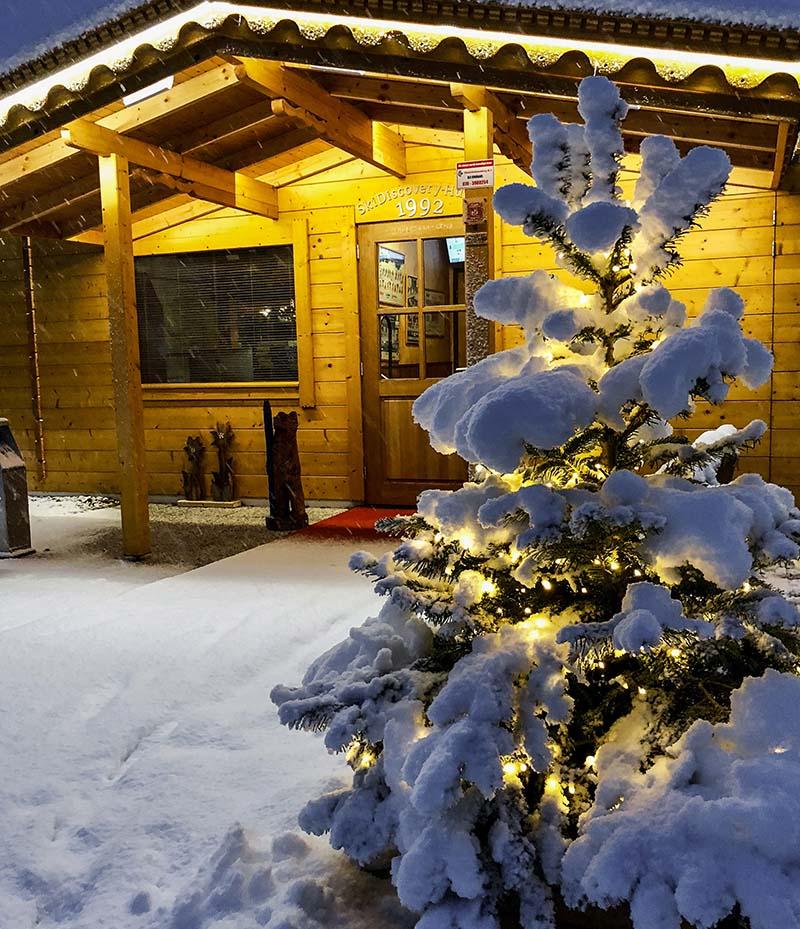 RemmerswaalBouw Aannemersbedrijf - Projecten - Ski Chalet gevel Ski Discovery Den Haag foto 9